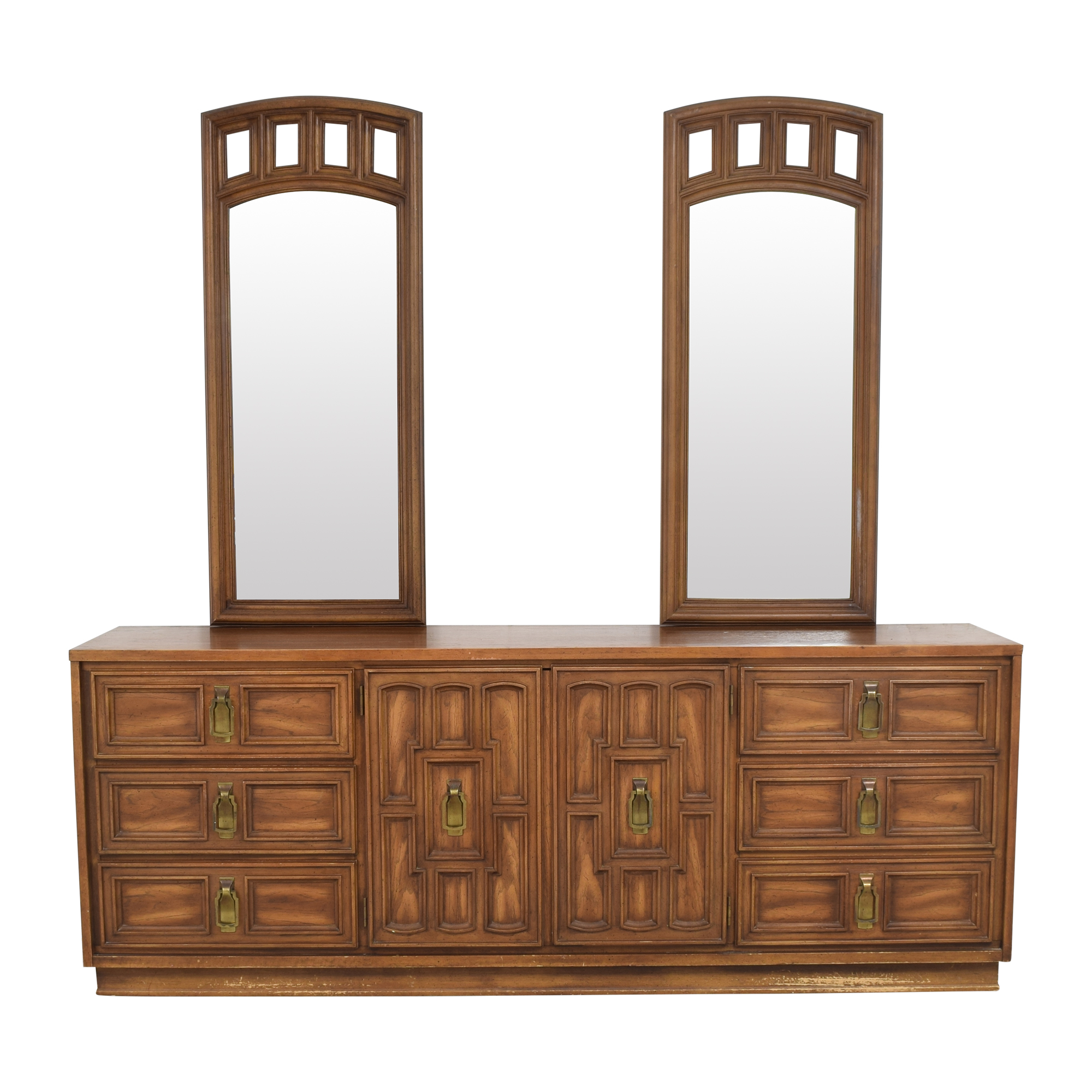 Stanley Furniture Triple Dresser with Mirrors / Dressers