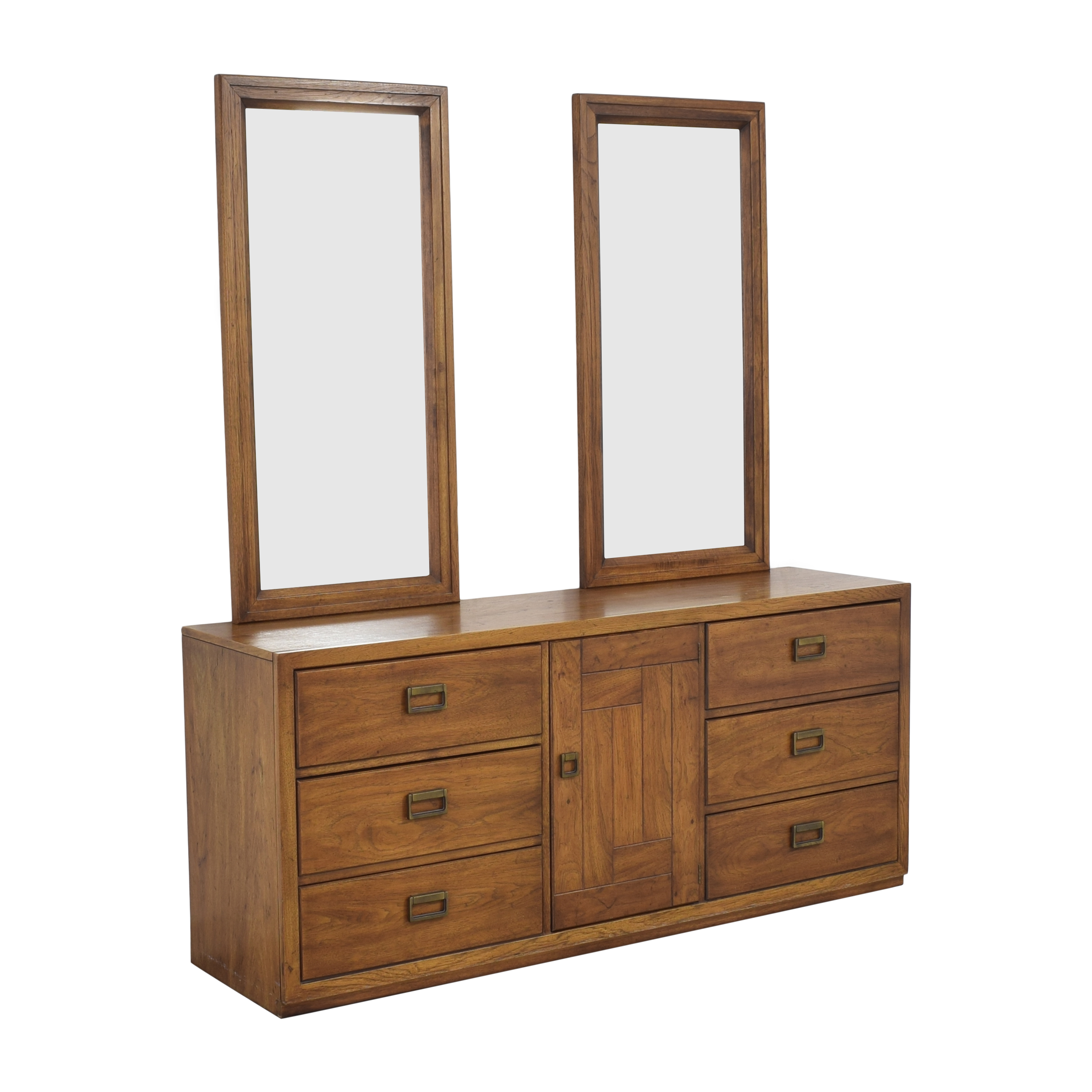 Huntley Triple Dresser with Mirrors / Dressers