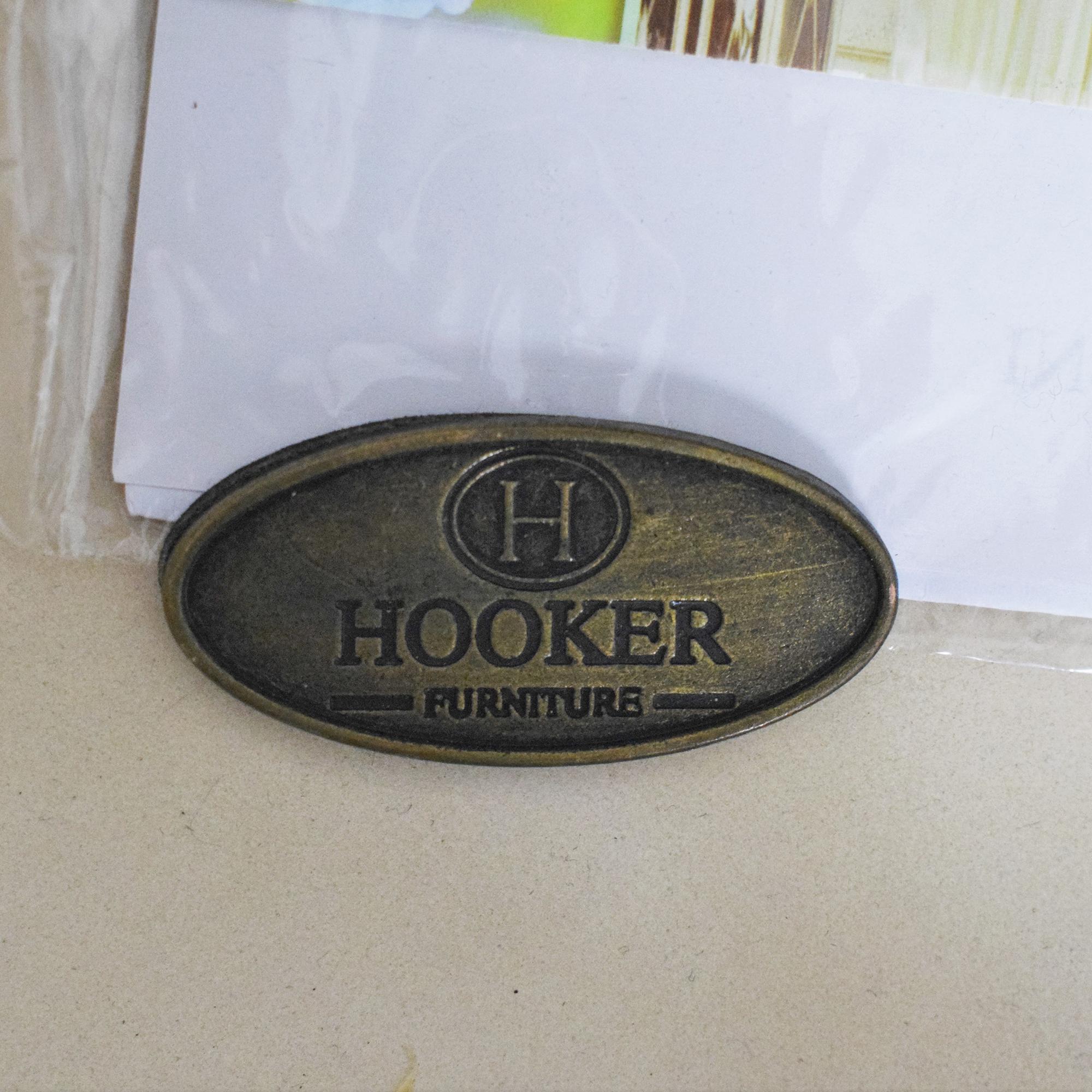 Hooker Furniture Hooker Furniture Melange Fluted Demi Chest pa