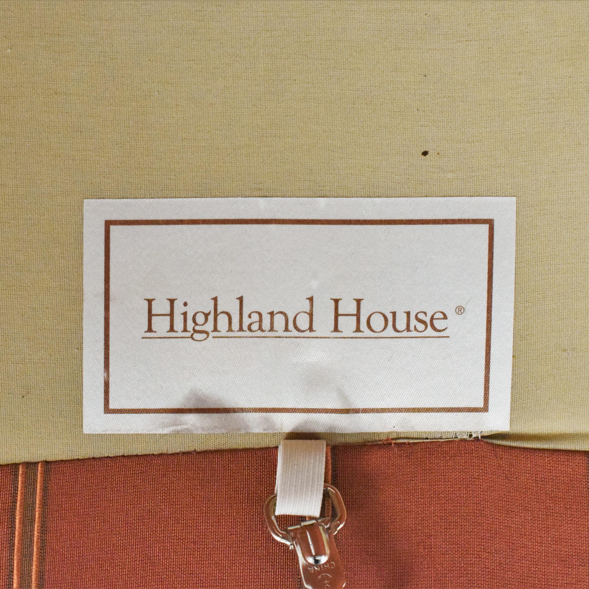 Highland House Furniture Highland House Scalloped Sofa Sofas