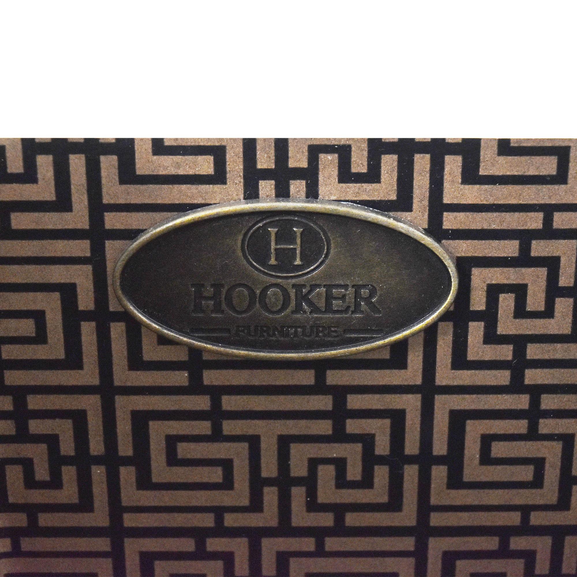 Hooker Furniture Hooker Furniture Melange Lady in White Console Table used