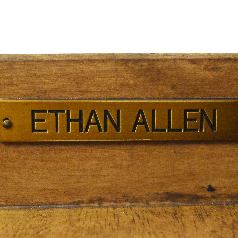 Ethan Allen Pedestal Desk / Home Office Desks