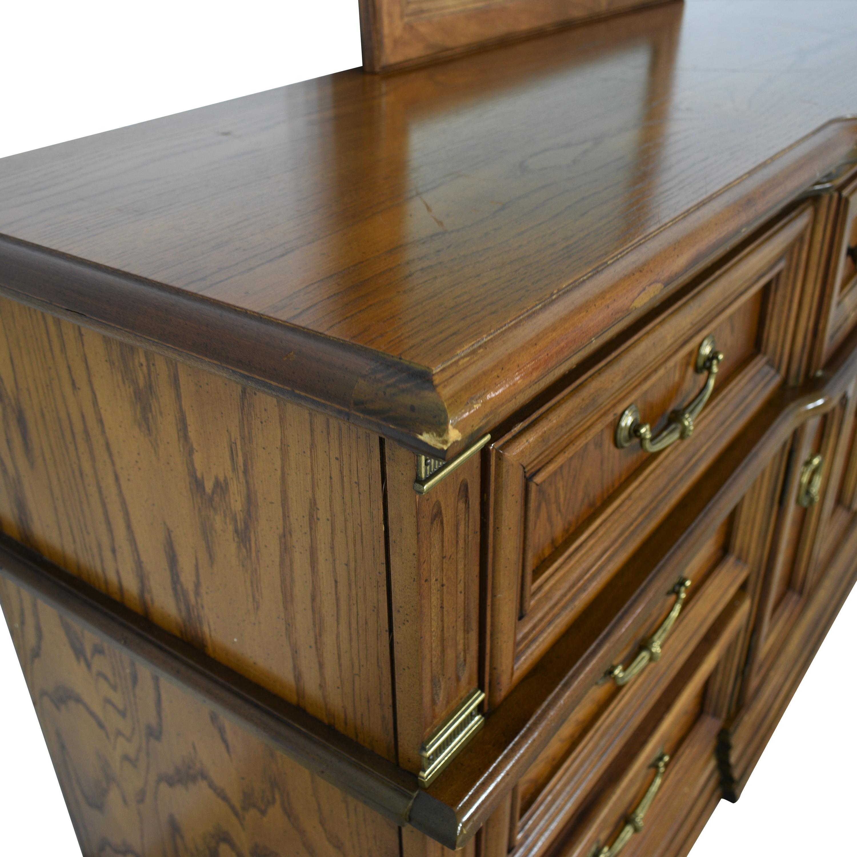 Bassett Furniture Bassett Furniture Dresser with Mirror Brown