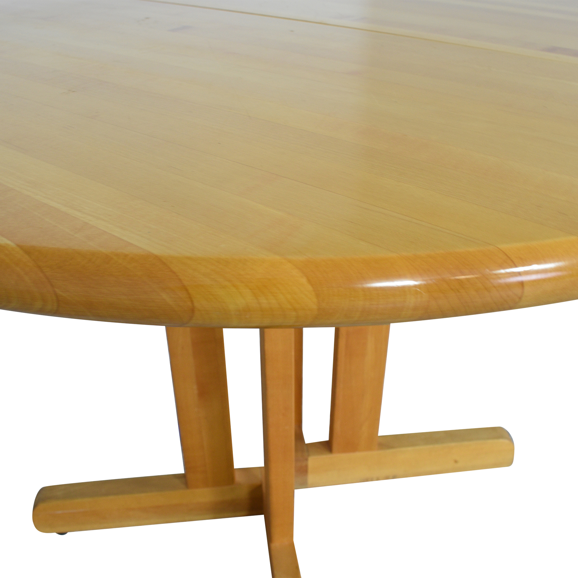 Walter of Wabash Walter of Wabash Round Extendable Dining Table ct