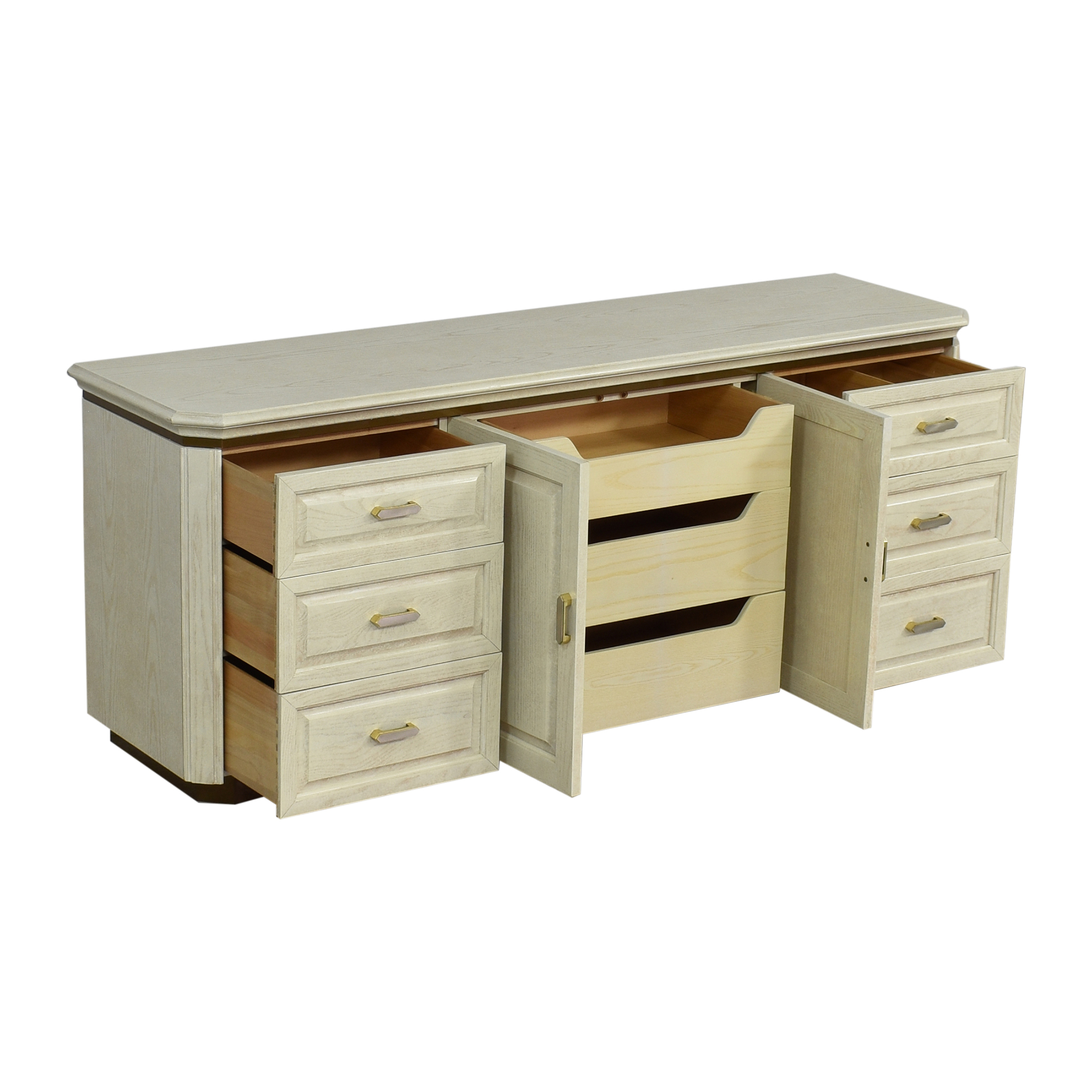 Henredon Furniture Henredon Charisma Triple Dresser Storage