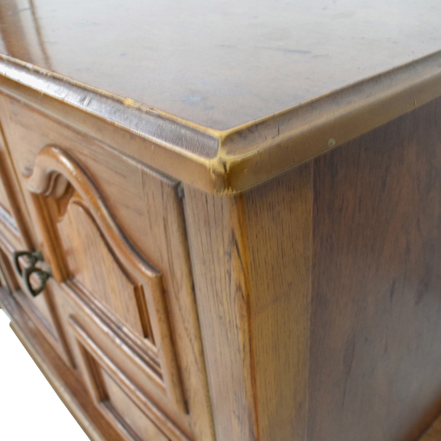 90 Off Wooden Carved Nightstands Tables