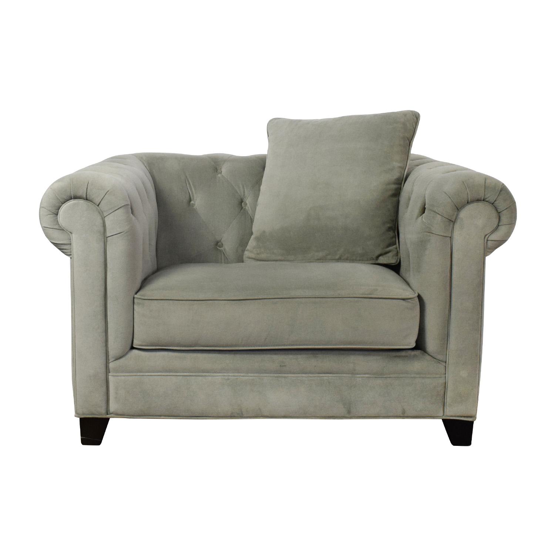71 Off Martha Stewart Saybridge Tufted Accent Chair Chairs