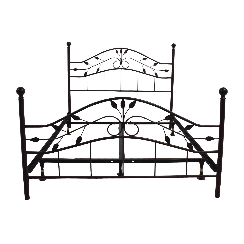 67% OFF - Metal Queen Size Leaf Design Bed Frame / Beds