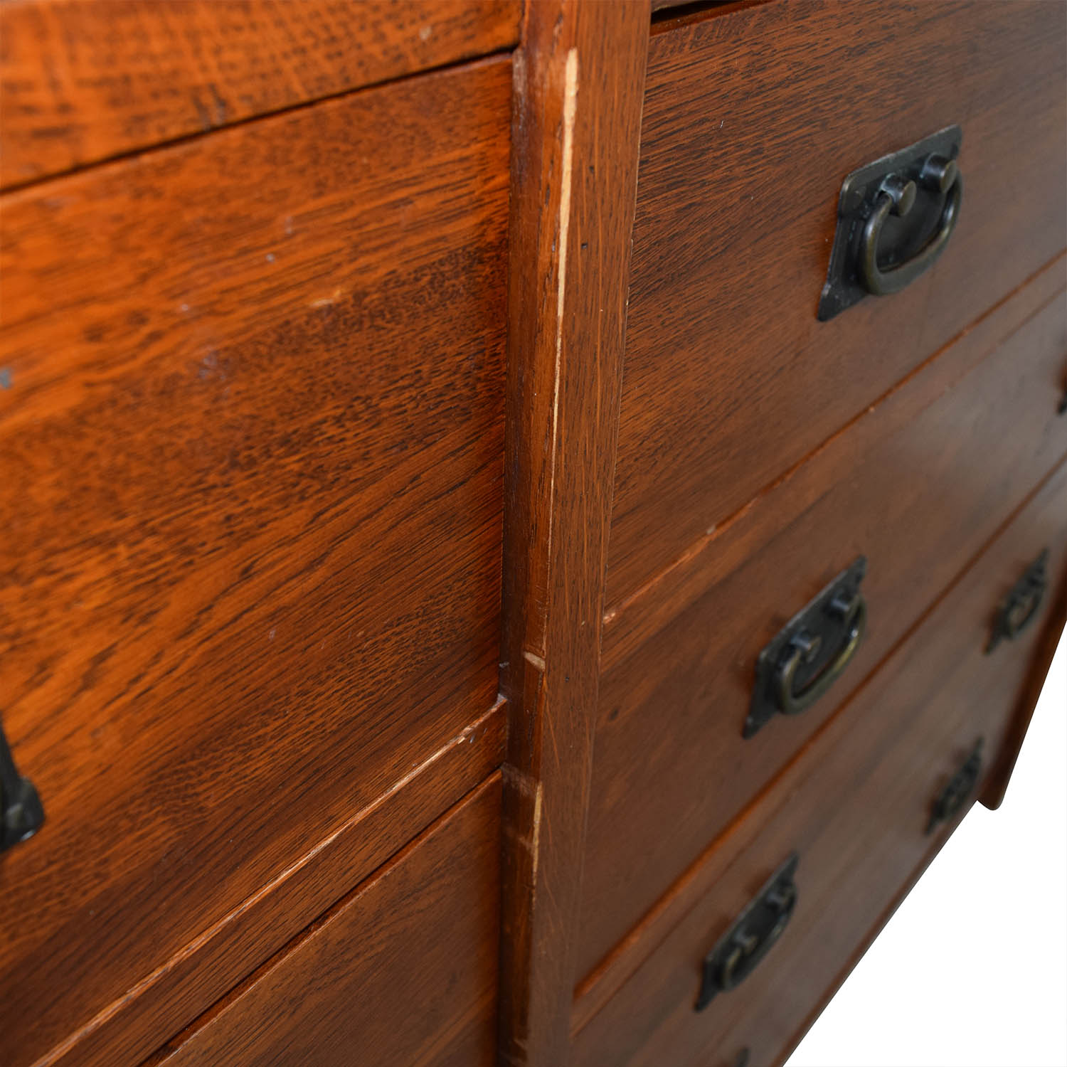 Mastercraft Collections Prairie Mission 12-drawer Dresser / Dressers