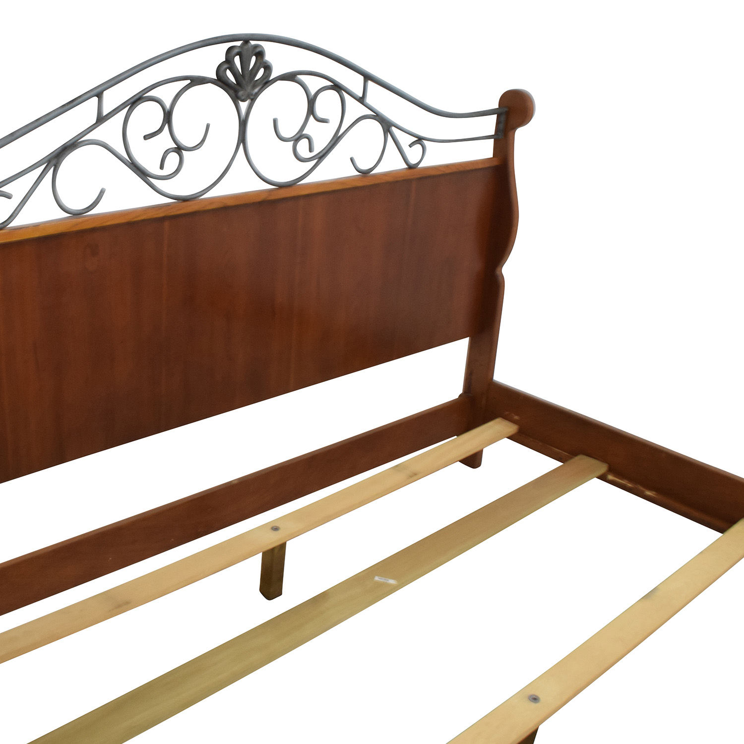 90 Off Metal And Wood King Size Sleigh Bed Beds