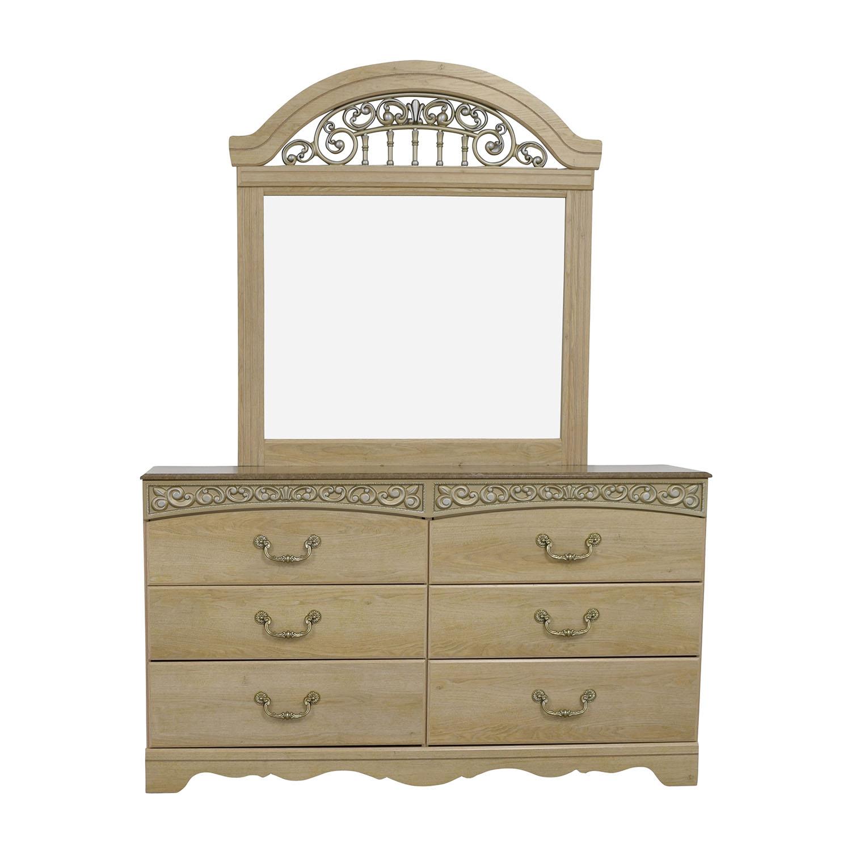 Charmant Buy Ashley Furniture Light Oak Dresser With Mirror Ashleys Furniture ...