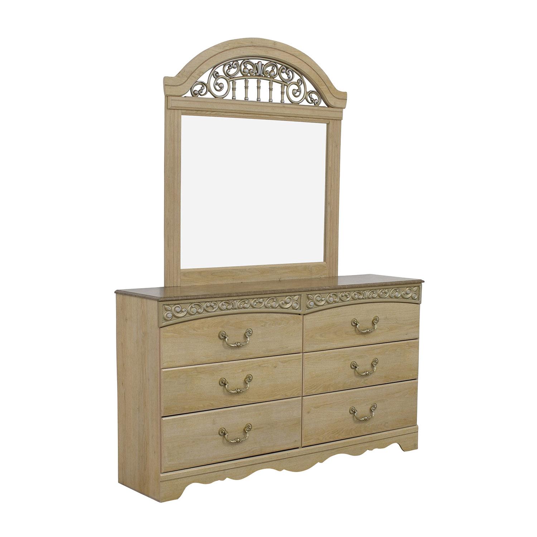 71 Off Ashley S Furniture Ashley Furniture Light Oak