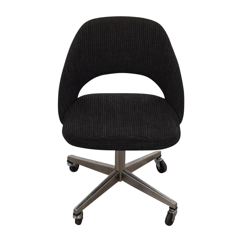 86% OFF Saarinen Saarinen Executive Chairs Chairs