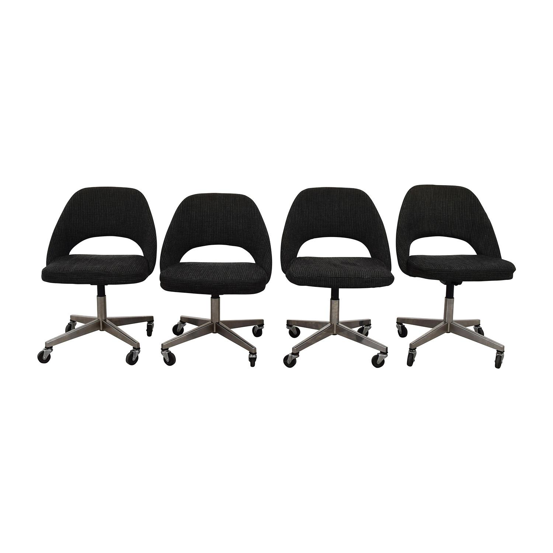 shop Saarinen Executive Chairs Saarinen Chairs