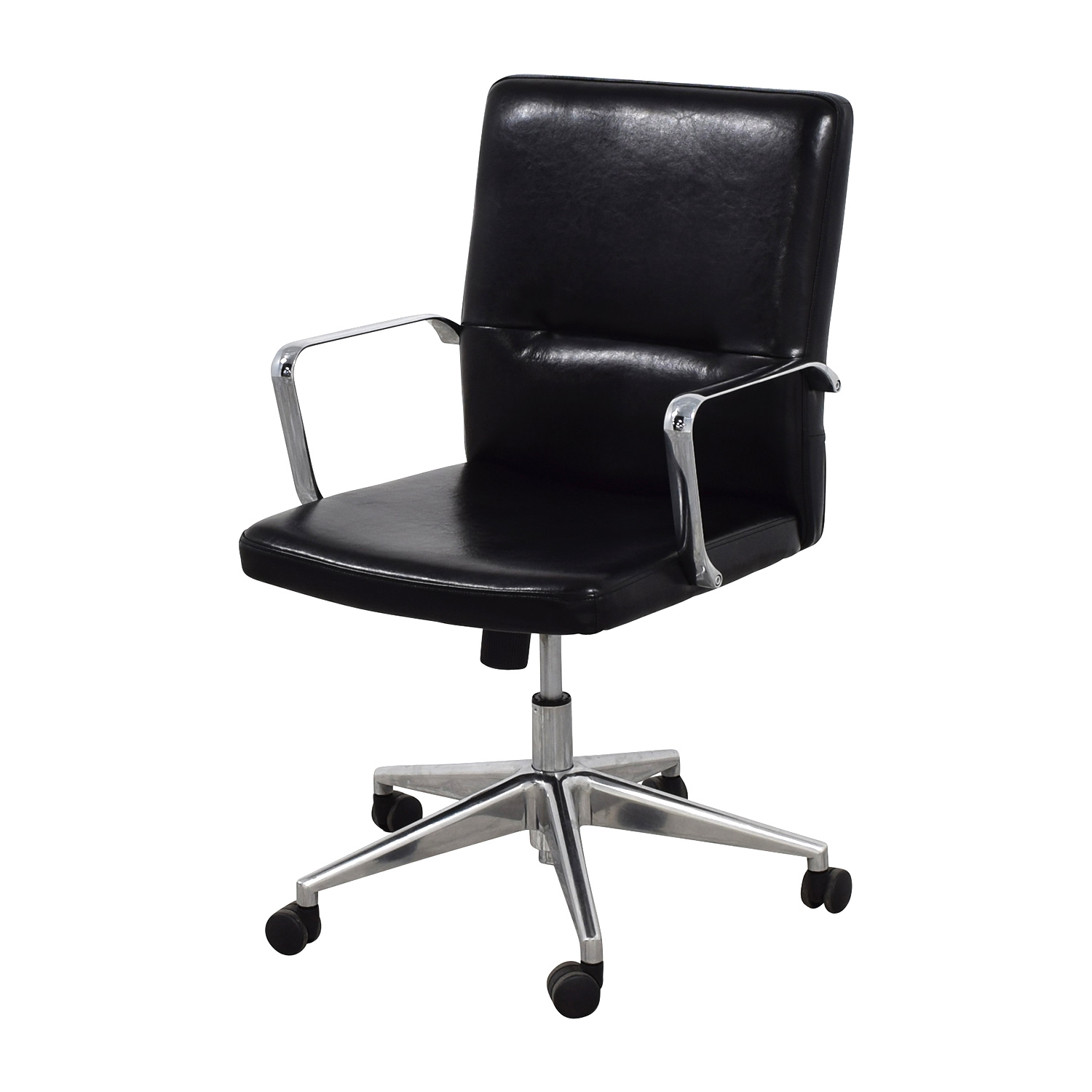 58 Off Sleek Black Office Chair With Chrome Armrest Chairs