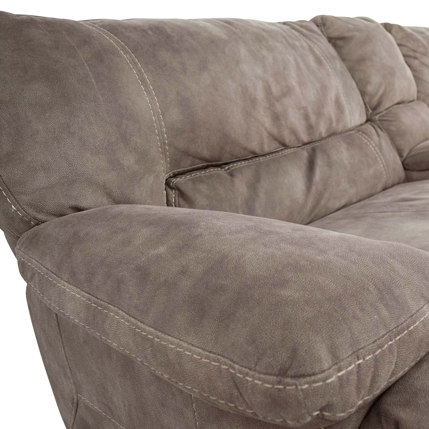 Raymour and Flanagan Raymour & Flanigan Grey Power Recliner with Console nj