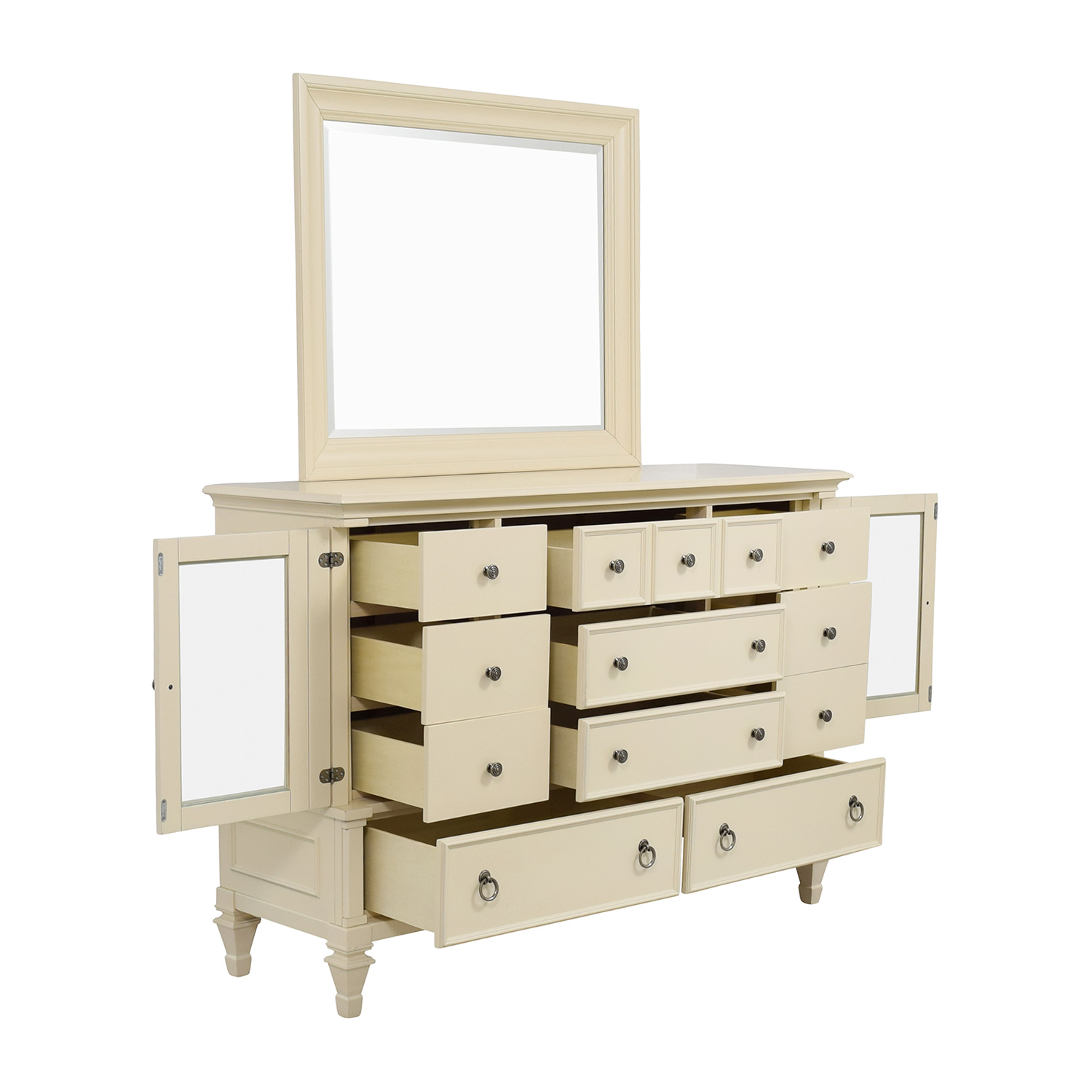 68 Off Raymour And Flanigan Raymour Flanigan Somerset Bedroom Dresser With Mirror Storage