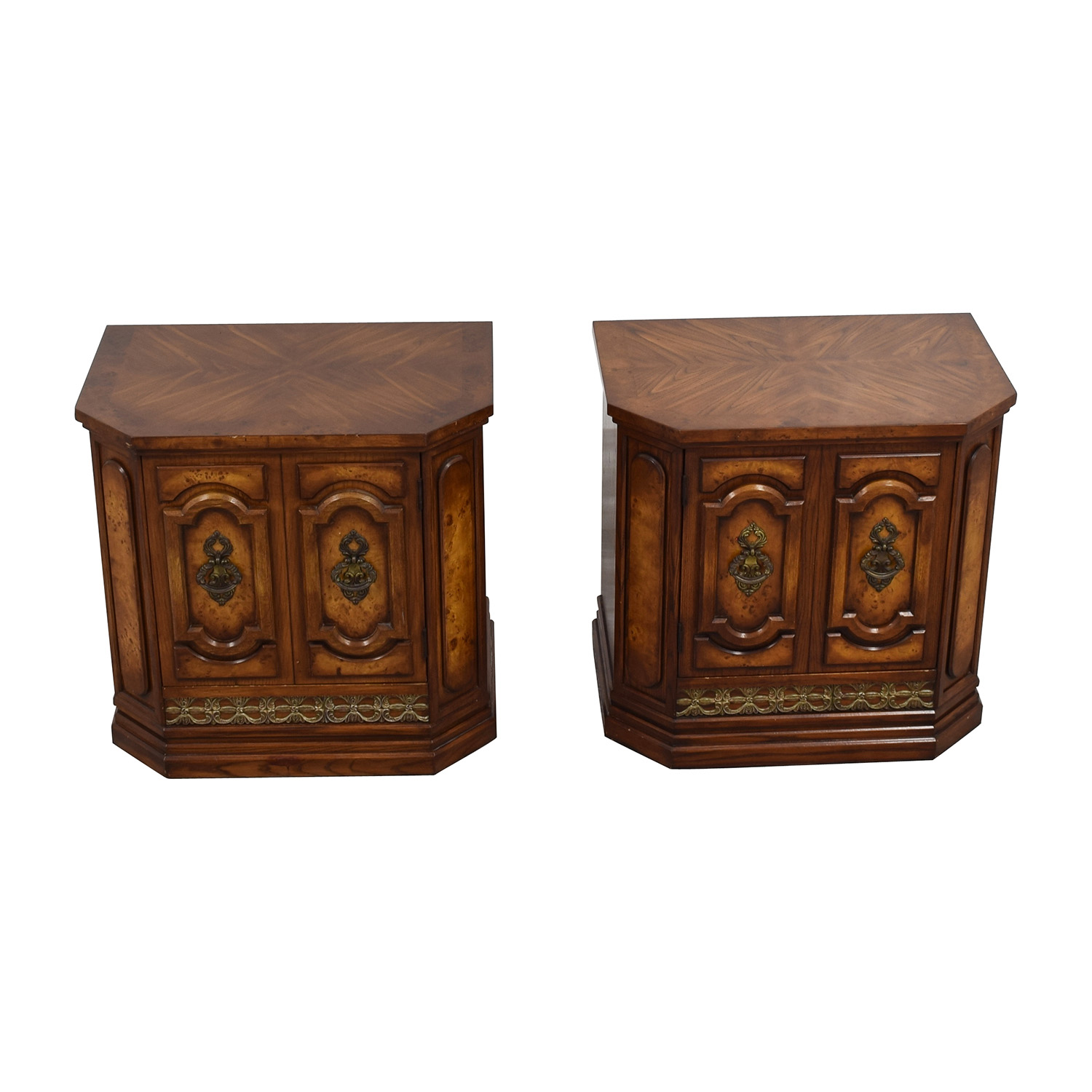 Set of Two Mid-Century Nightstands second hand