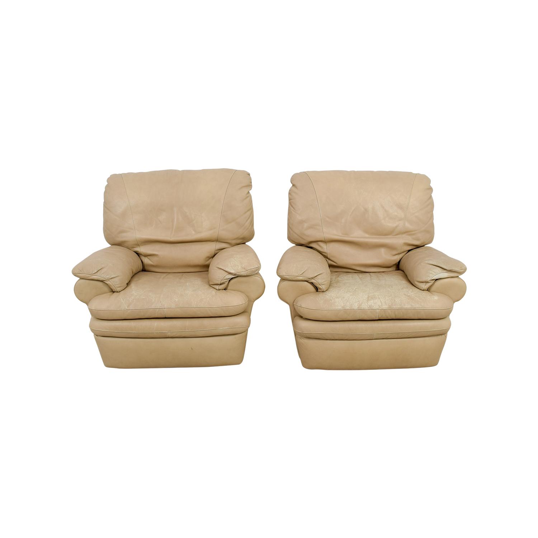 84 Off Natuzzi Italia Natuzzi Italian Beige Leather Recliners Chairs