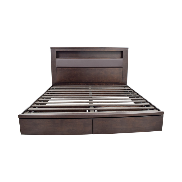Raymour & Flanigan Raymour and Flanigan Wall Street King Leather Storage Platform Bed