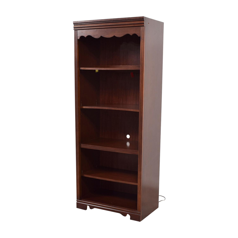 89 Off Broyhill Broyhill Dovetailed Trim Wood Bookshelf