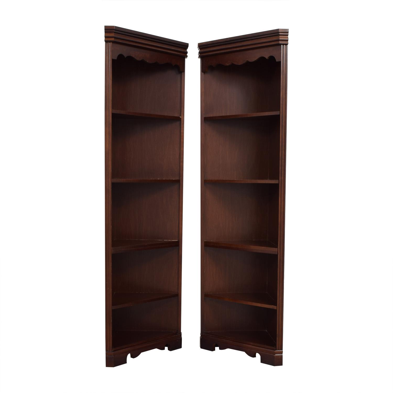 buy broyhill triangular corner bookshelves broyhill - Corner Bookshelves