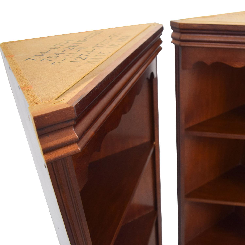 Broyhill Triangular Corner Bookshelves Discount