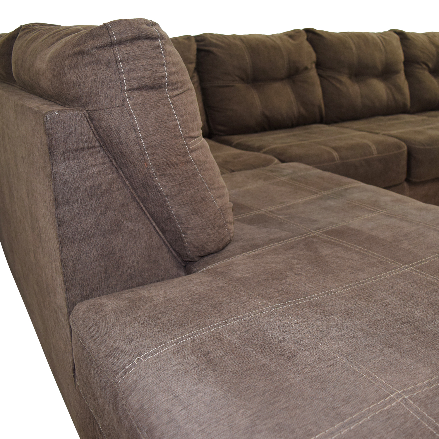 Brown L-Shaped Chaise Sectional Sofa / Sectionals