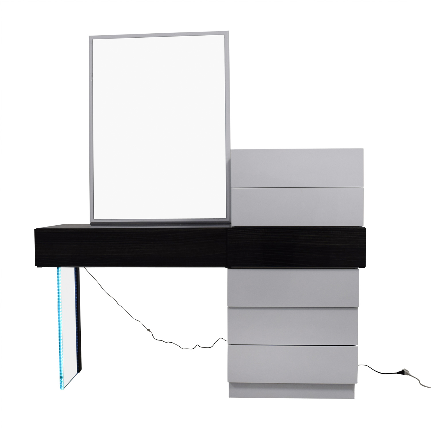 Wade Logan Wade Logan Linehan Seven-Drawer Dresser and Vanity or Desk with Mirror used