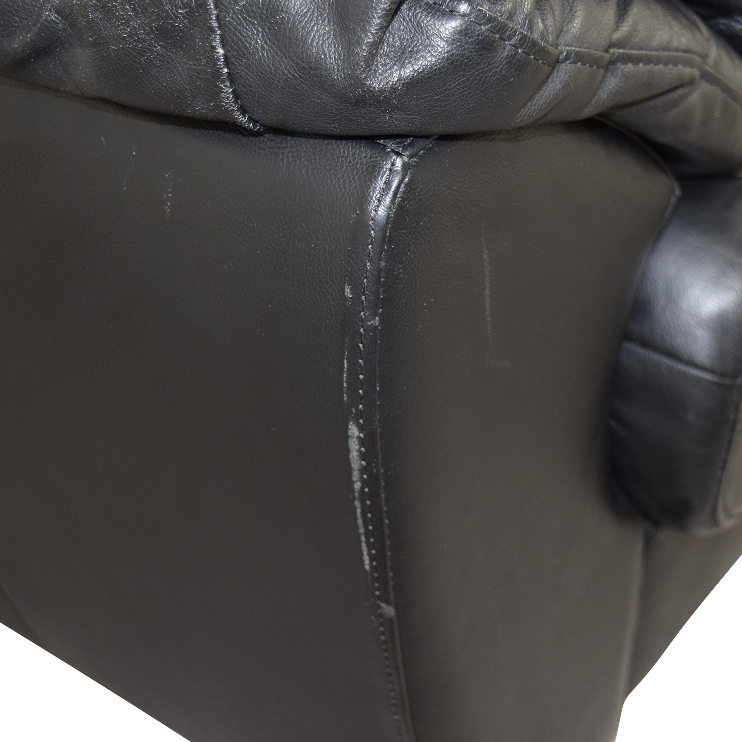 35% OFF Raymour & Flanigan Raymour & Flanigan Black Leather