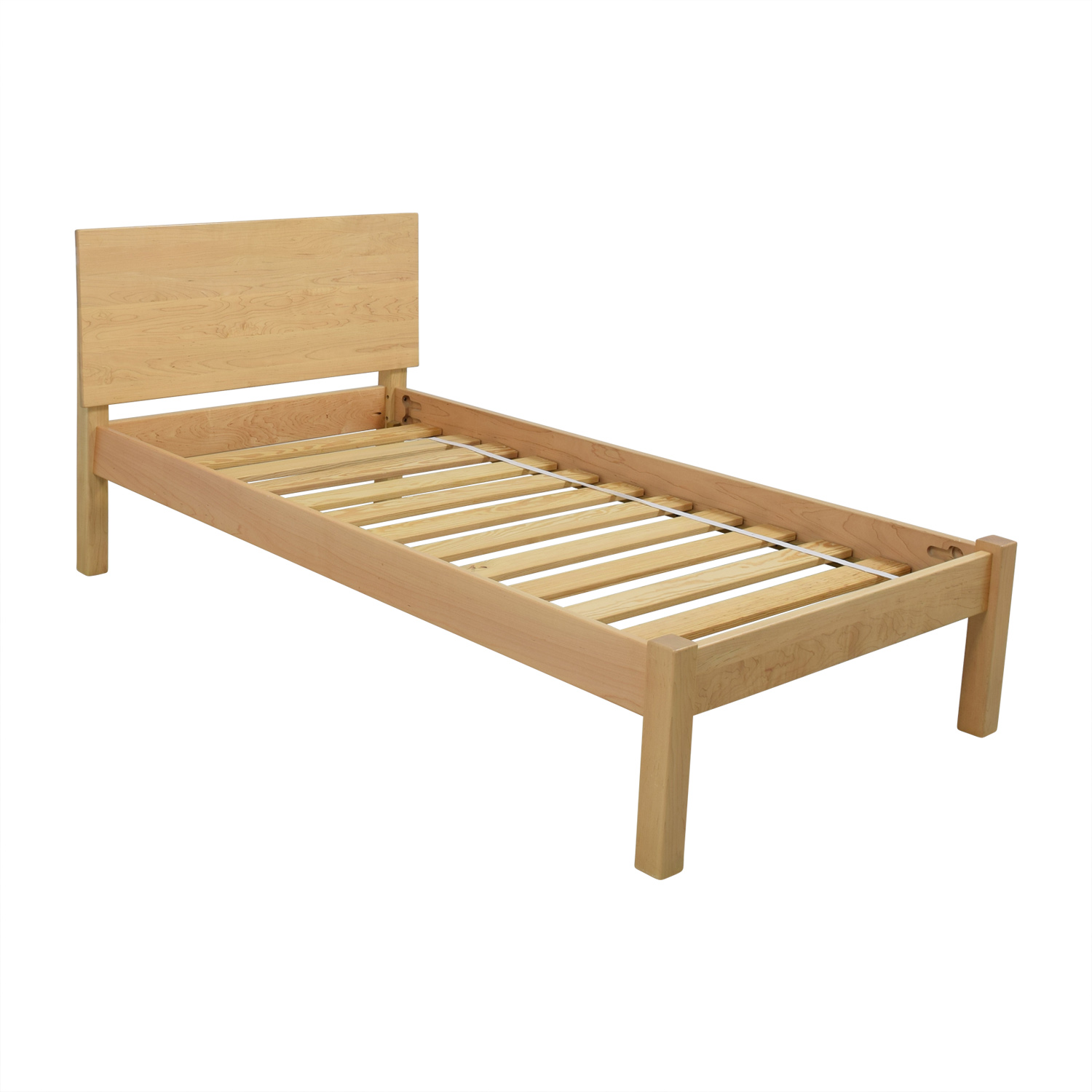73 Off Room And Board Room Amp Board Twin Pogo Bed Beds