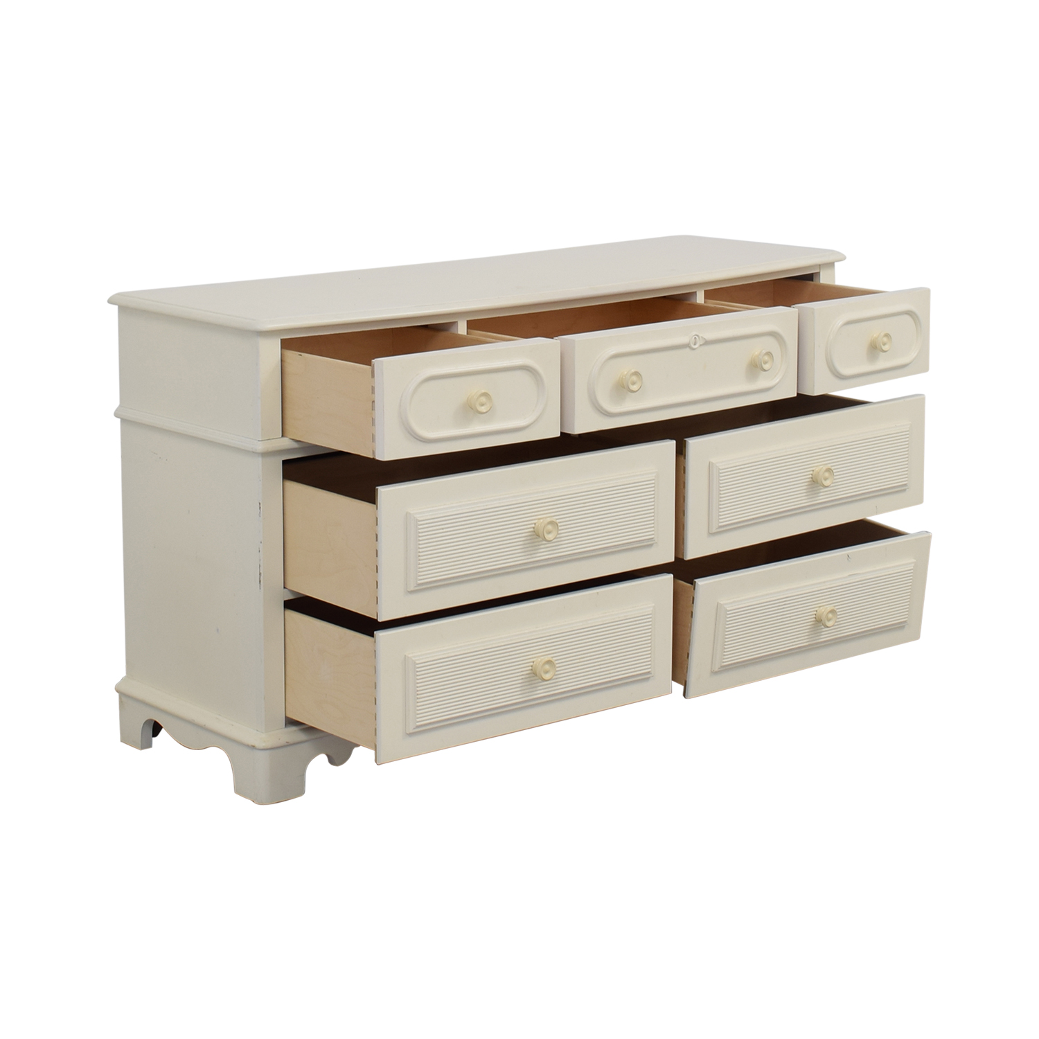 ... Stanley Furniture Eggshell Seven Drawer Dresser Sale ...