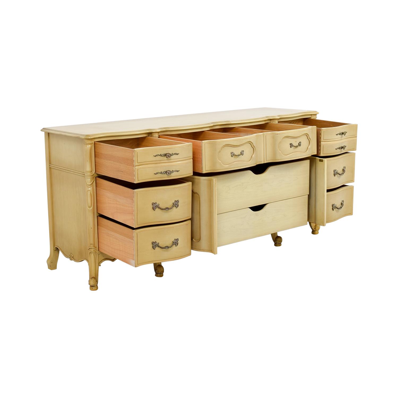 Vintage Mid-Century Butter Nine-Drawer Dresser nj