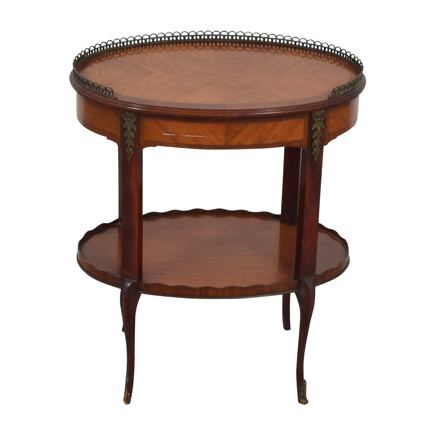 Furniture Masters Oval End Table with Scalloped and Brass Edges / Tables