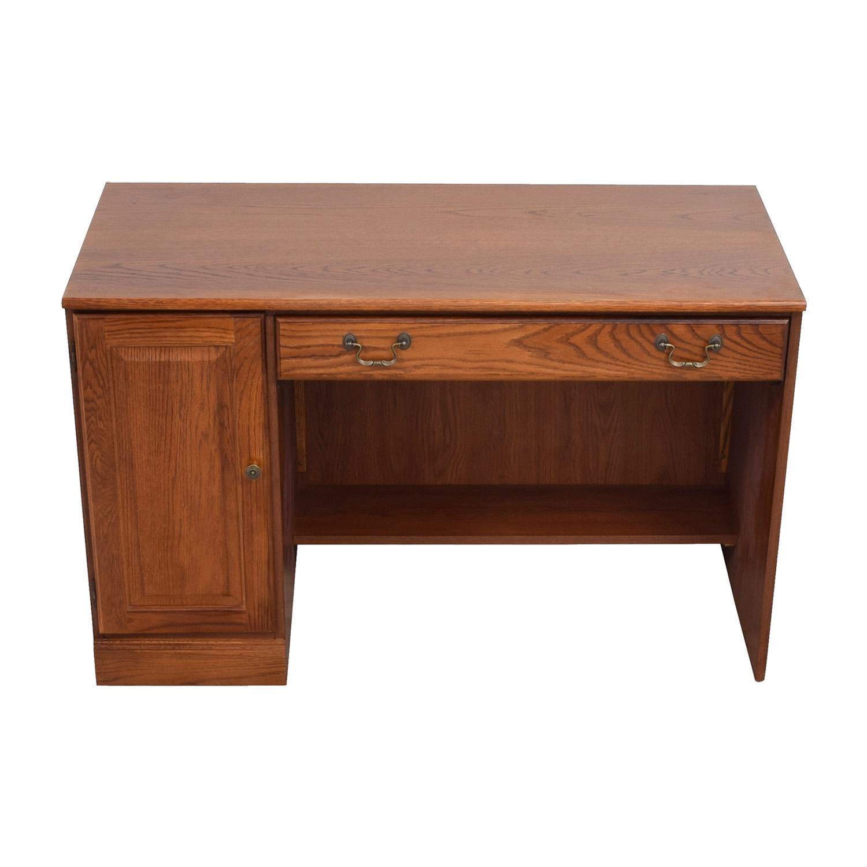 88 Off Staples Staples Wood Computer Desk Tables