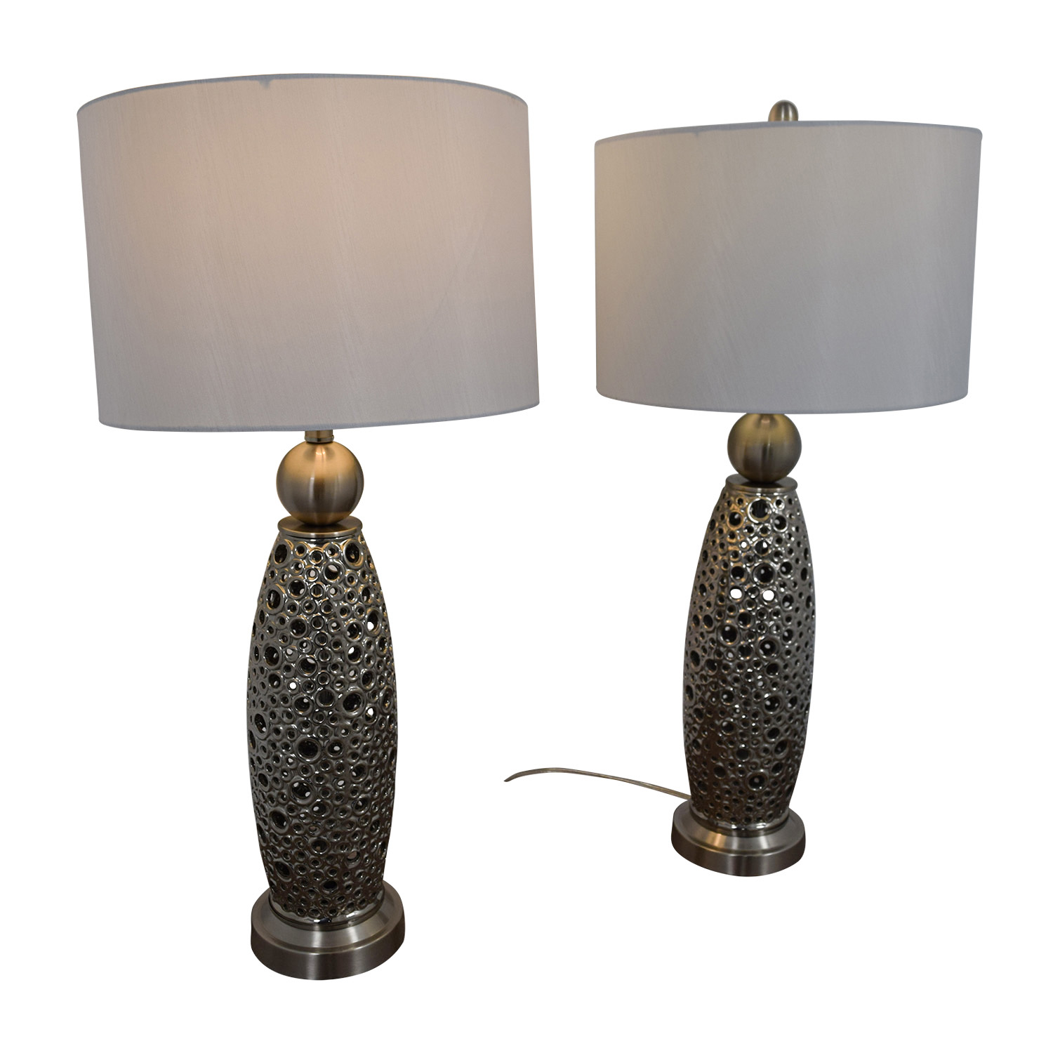 55 Off Rooms To Go Filigree Circle Silver Lamps Decor