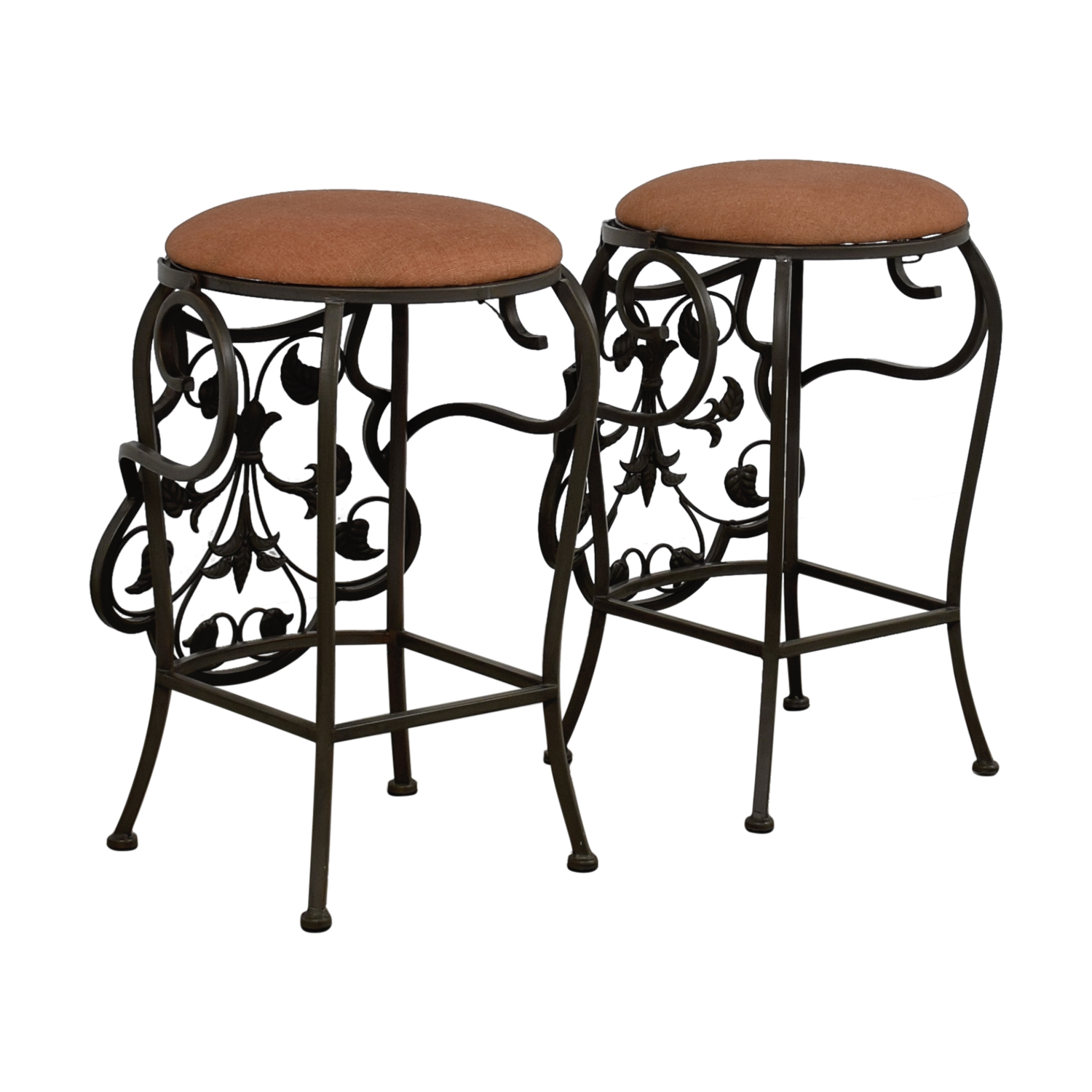 68 Off Scrolled Metal Folding Back Bar Stools Chairs