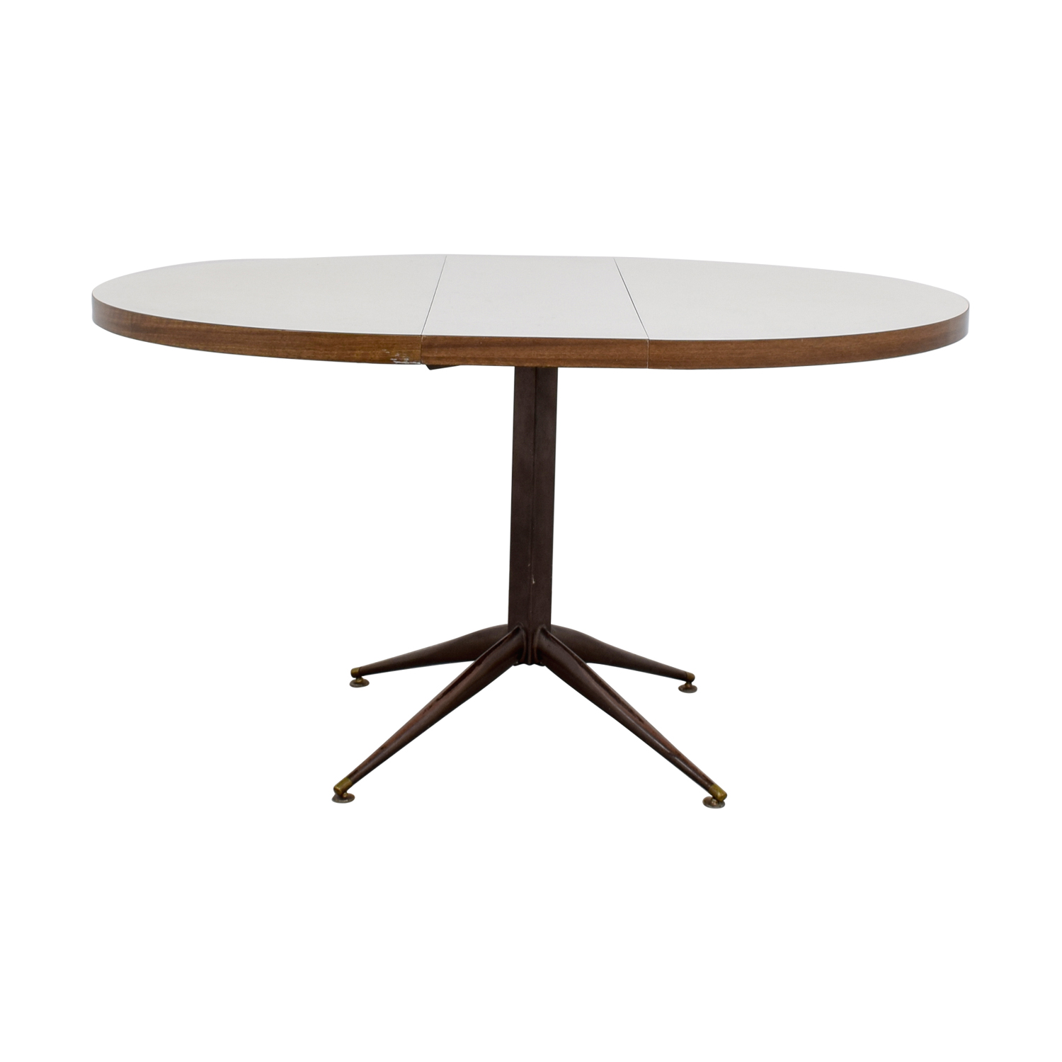 White Round Expandable Table used