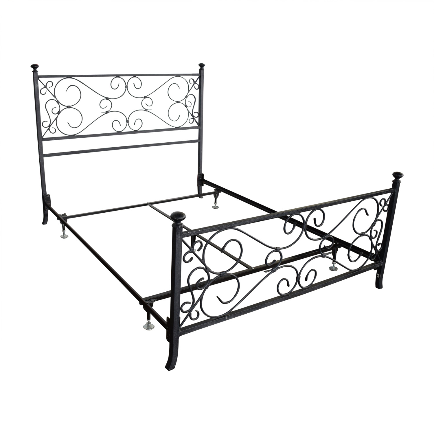 80 off pottery barn pottery barn wrought iron queen for Beds 80 off