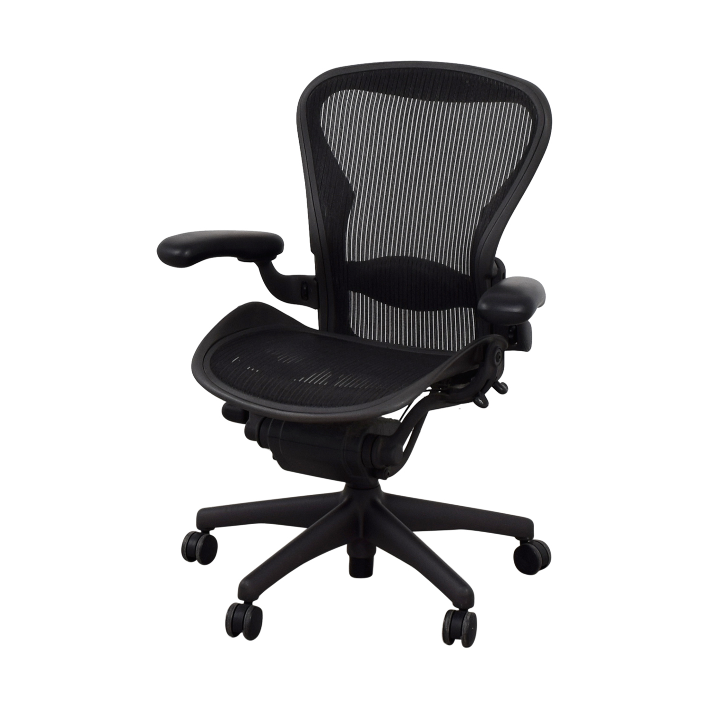 74 off herman miller herman miller aeron black chair. Black Bedroom Furniture Sets. Home Design Ideas