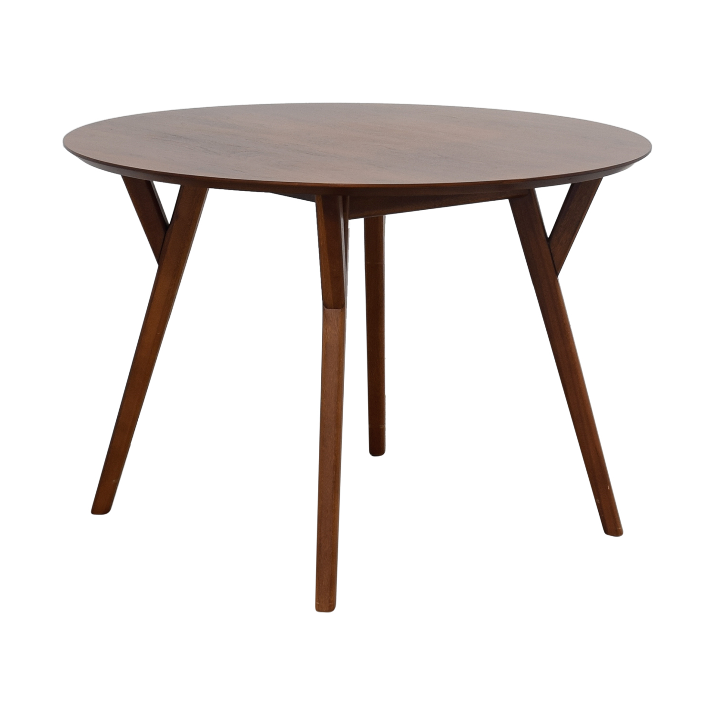 39 off west elm west elm mid century walnut round dining table tables. Black Bedroom Furniture Sets. Home Design Ideas