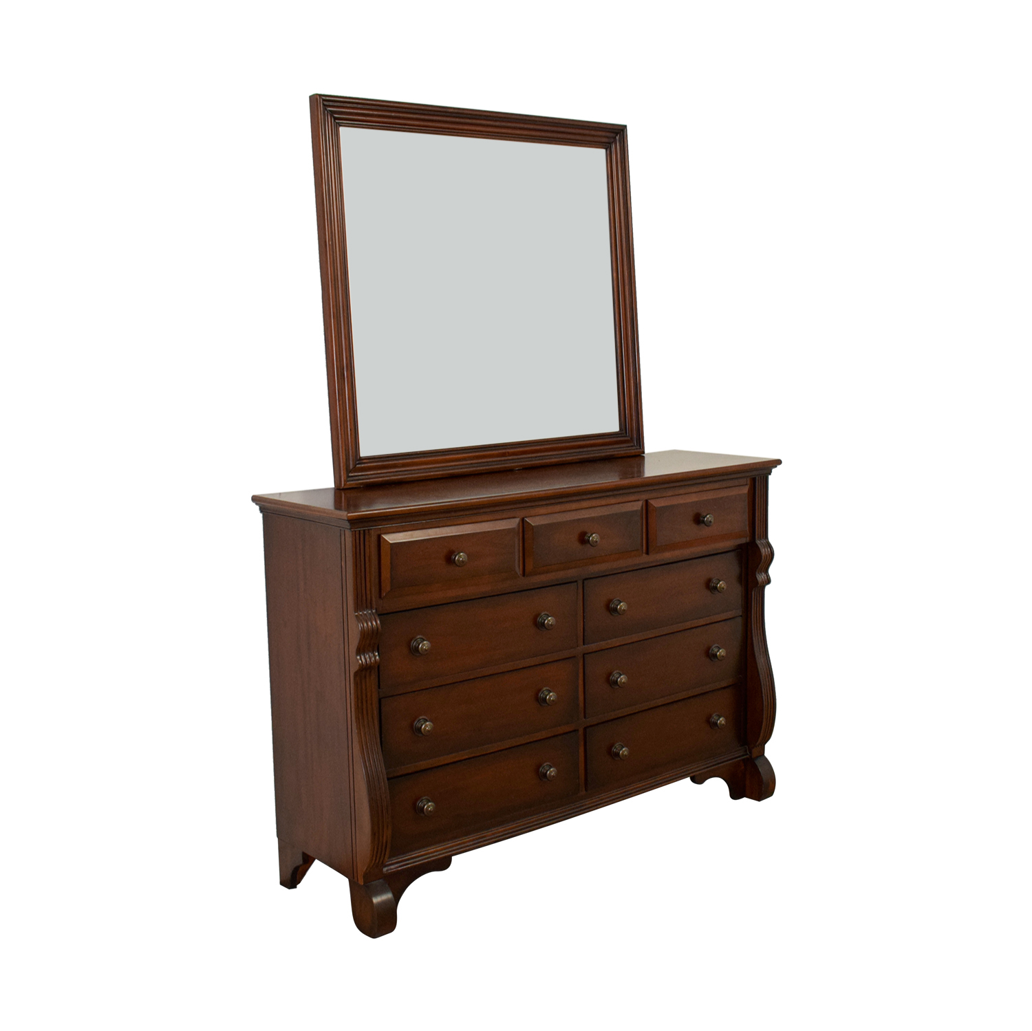 Bob's Furniture Nine-Drawer Dresser with Mirror / Dressers