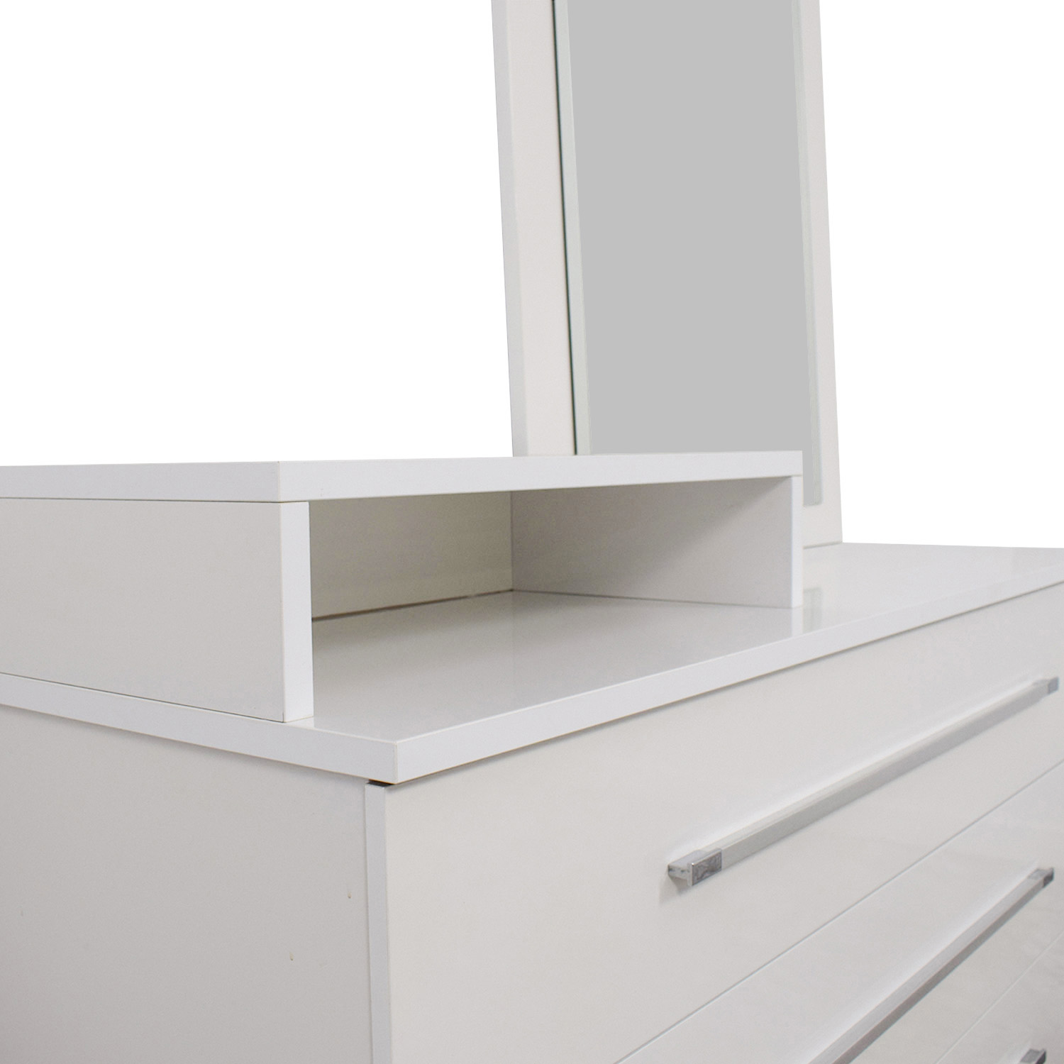 shop Value City Furniture White Dresser with Deck and Mirror Value City Furniture Storage