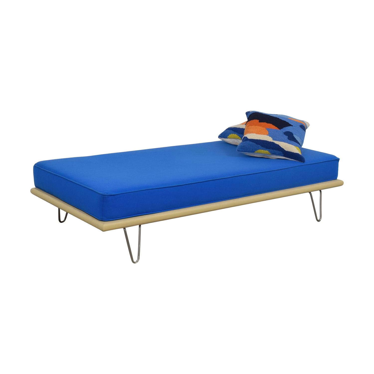 shop Design Within Reach George Nelson Berry Blue Daybed Design Within Reach Chaises