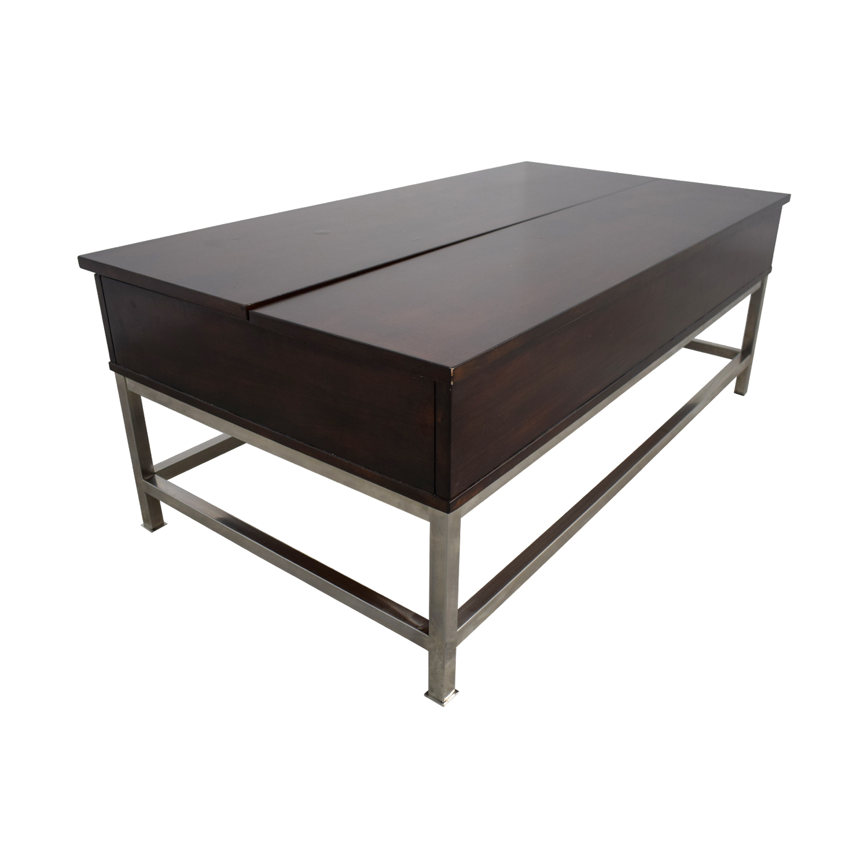 Raymour & Flanigan Raymour & Flanigan Lift Top Coffee Table