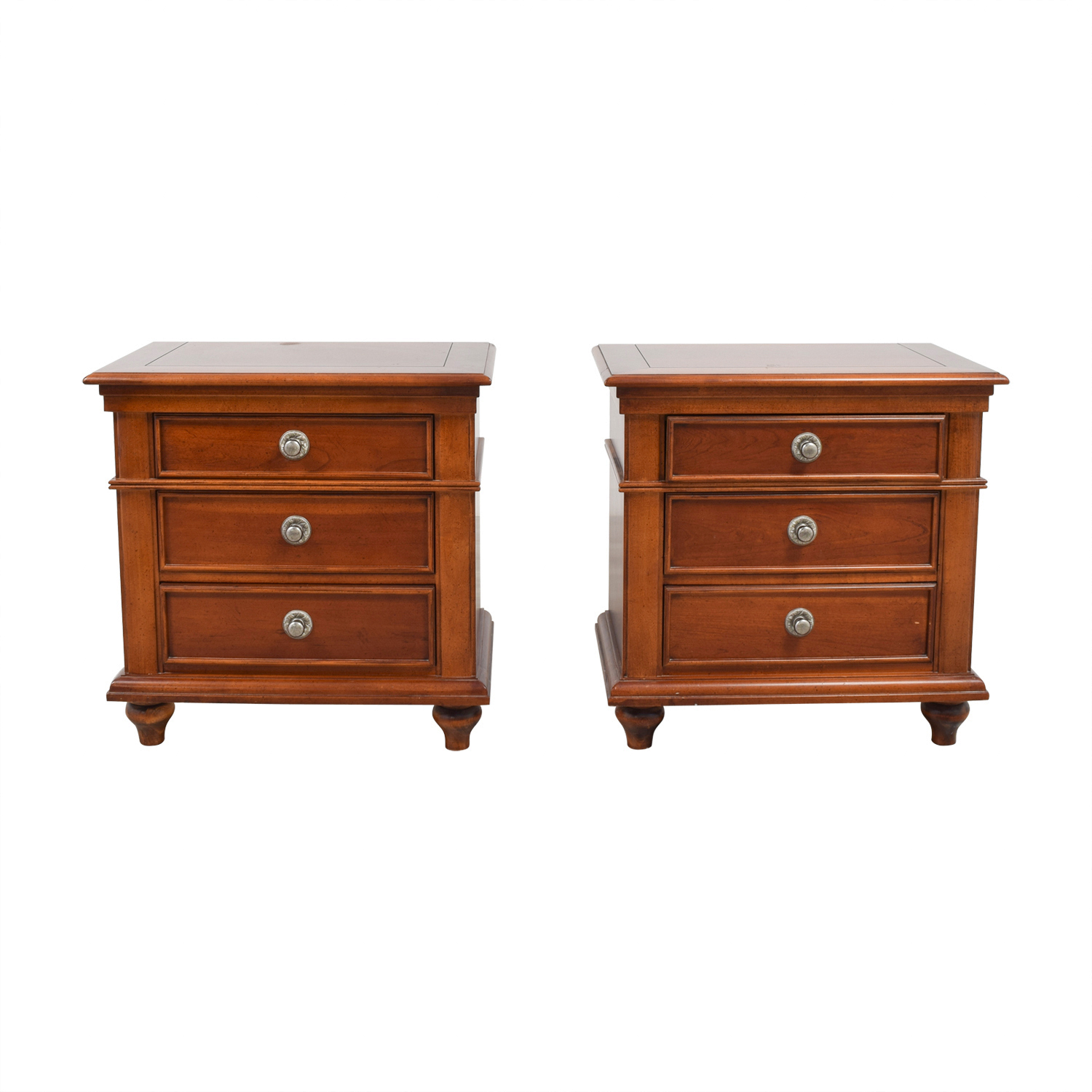 4f31e432e2a6 90% OFF - Stanley Furniture Stanley Furniture Nightstands   Tables