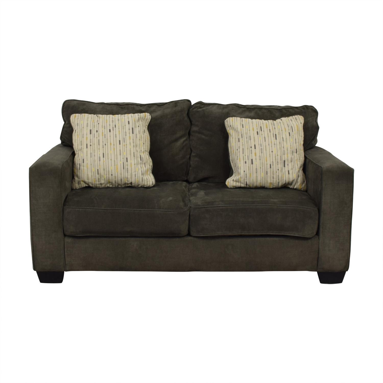 Jennifer Furniture Jennifer Furniture Hodan Grey Love Seat dimensions