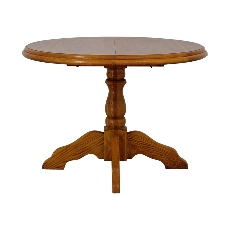 Virginia House Virginia House Round Dining Table with Leaf used