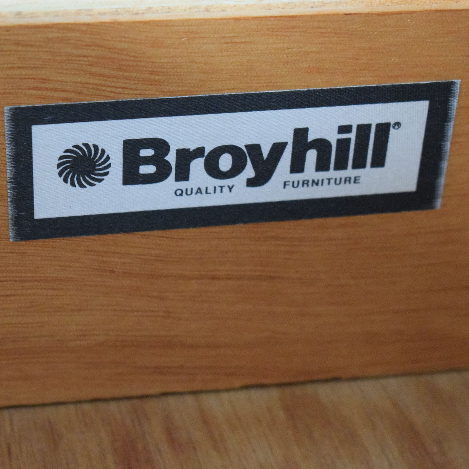 Broyhill Broyhill Pine Six-Drawer Lingerie Chest price