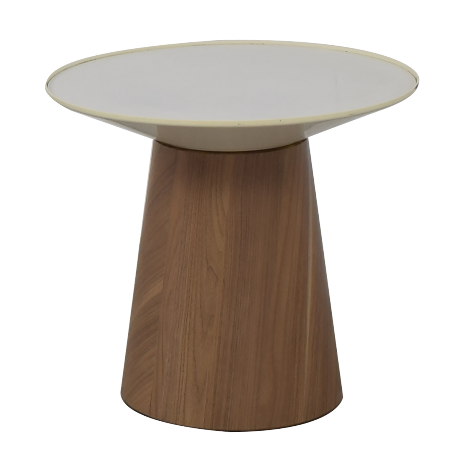 Steelcase Turnstone Steelcase Turnstone Campfire Round Paper Table white on brown